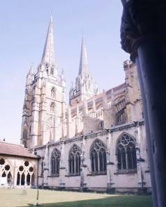 L'église vue du cloître